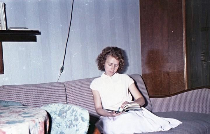 Старая фотосессия в советской коммуналке (8)