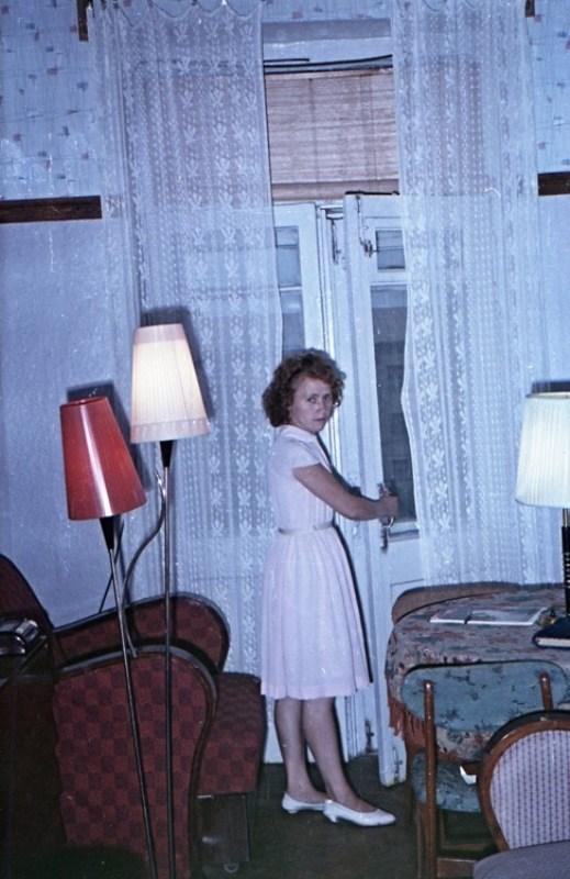 Старая фотосессия в советской коммуналке (4)