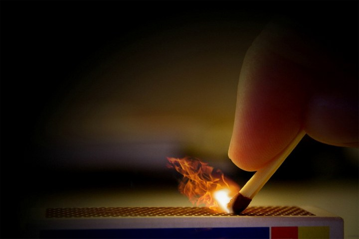 Красивые макрофотографии горящей спички (10)