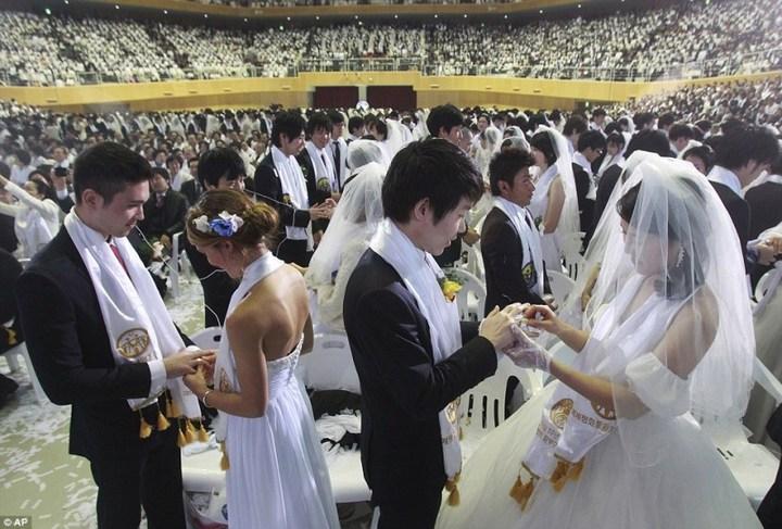 Самая массовая церемония бракосочетания в Южной Корее (5)