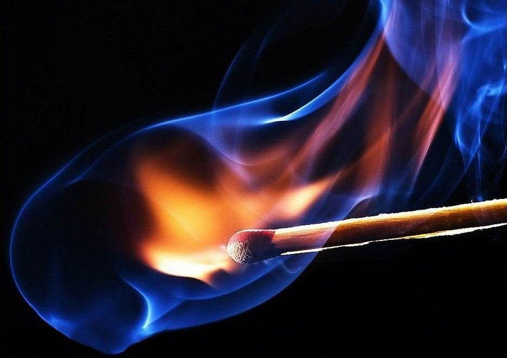 Красивые макрофотографии горящей спички (5)