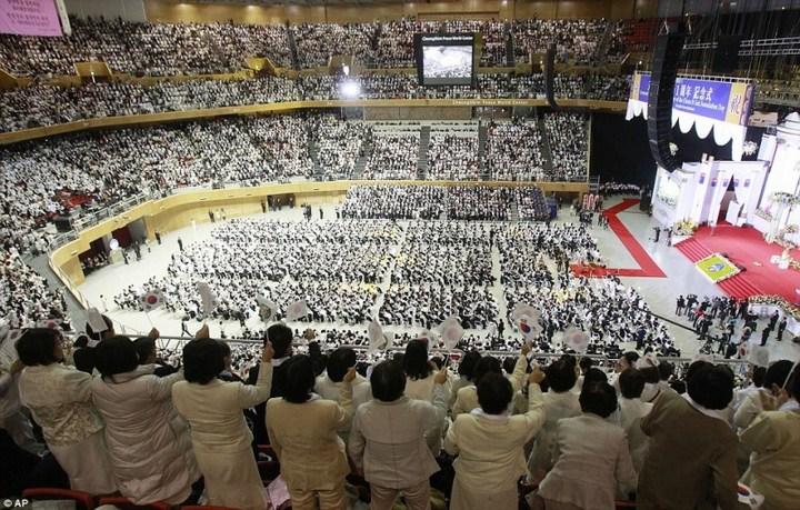 Самая массовая церемония бракосочетания в Южной Корее (8)