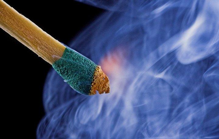 Красивые макрофотографии горящей спички (1)