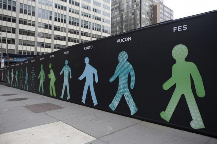 The Walking Men – идущие зеленые человечки со светофоров пешеходного перехода (5)