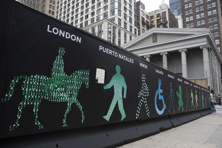 The Walking Men – идущие зеленые человечки со светофоров пешеходного перехода (6)