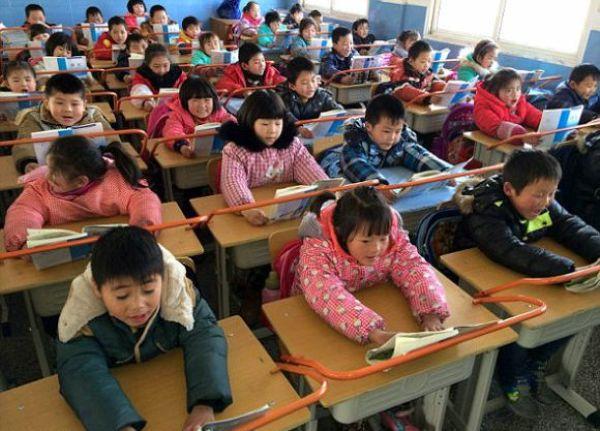 Необычные парты в китайской школе (4)