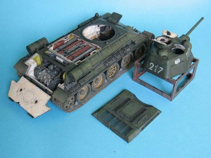 Реалистичная модель танка T-34/76 (2)