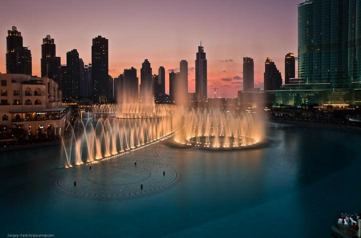 Поющие фонтаны в Дубаи (1)