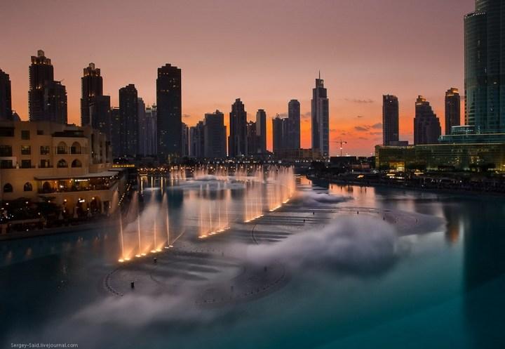 Поющие фонтаны в Дубаи (2)
