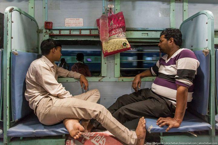 В общем вагоне индийского поезда (6)