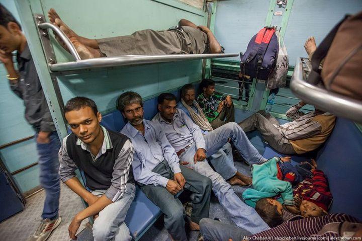 В общем вагоне индийского поезда (8)