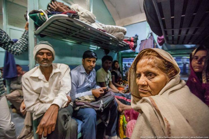 В общем вагоне индийского поезда (9)