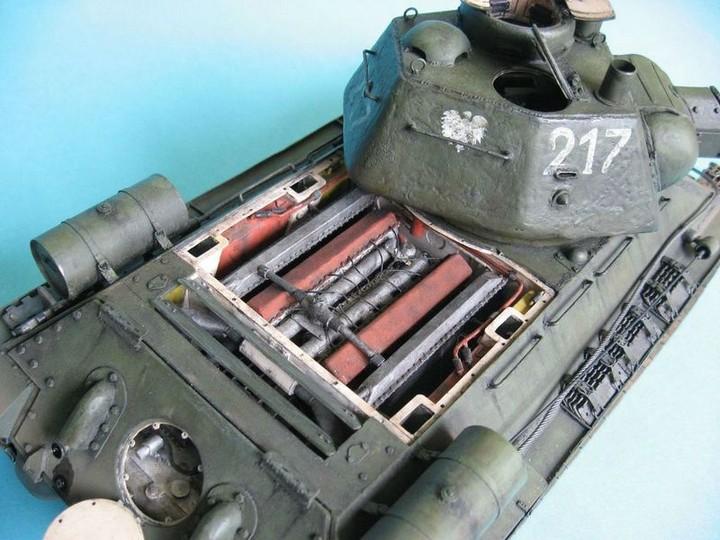 Реалистичная модель танка T-34/76 (10)