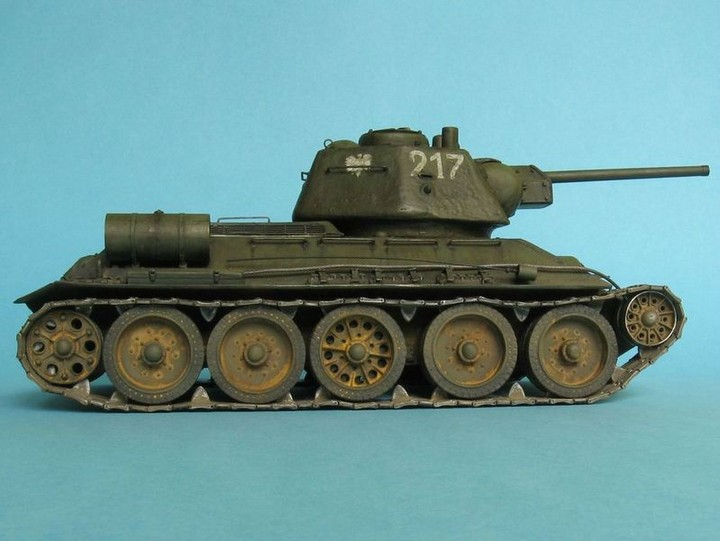 Реалистичная модель танка T-34/76 (11)