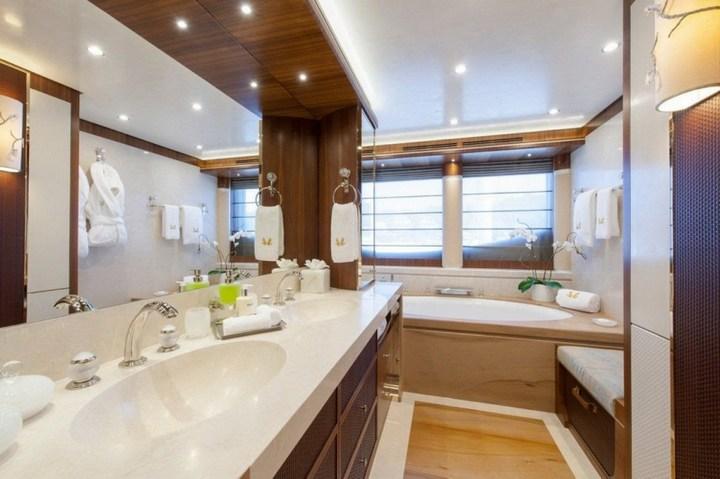 Шикарная яхта за 1.300.000$ в неделю (19)