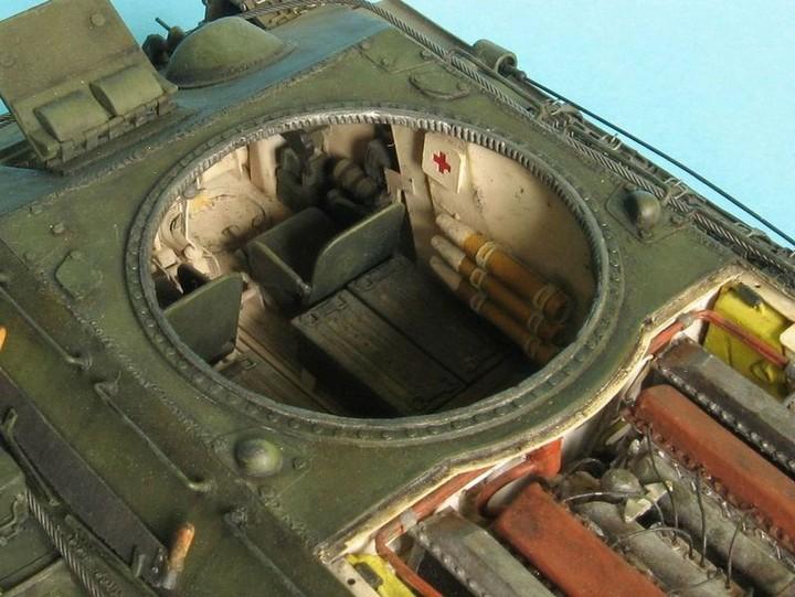 Реалистичная модель танка T-34/76 (13)