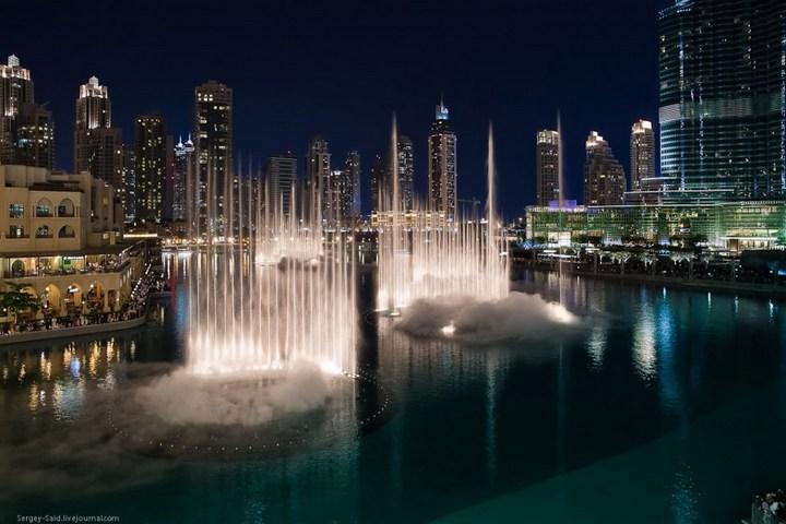 Поющие фонтаны в Дубаи (13)