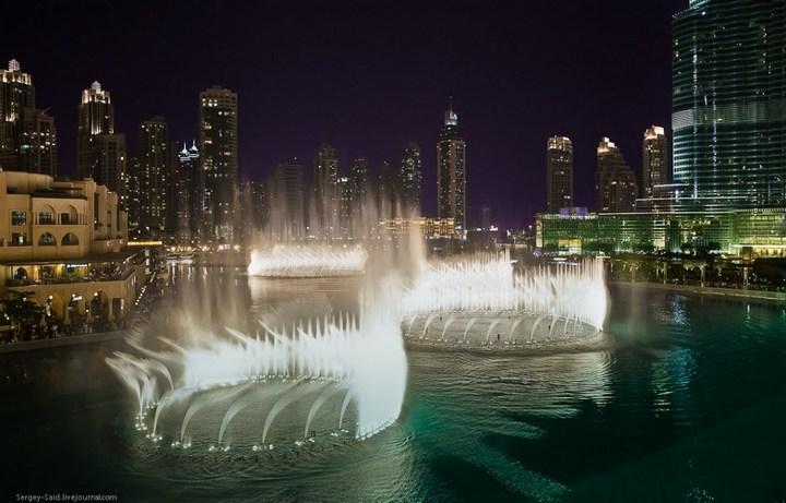 Поющие фонтаны в Дубаи (15)