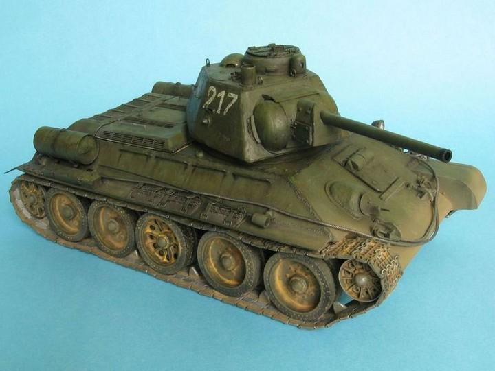 Реалистичная модель танка T-34/76 (16)