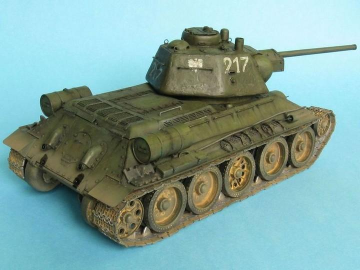 Реалистичная модель танка T-34/76 (18)