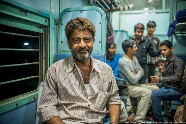 В общем вагоне индийского поезда (20)