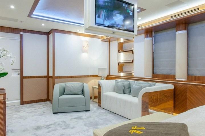Шикарная яхта за 1.300.000$ в неделю (9)