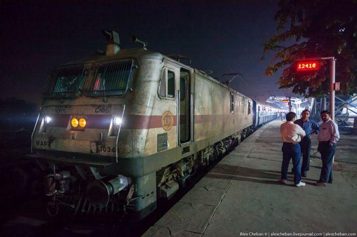 В общем вагоне индийского поезда (23)