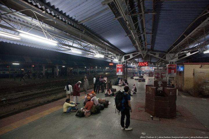 В общем вагоне индийского поезда (24)