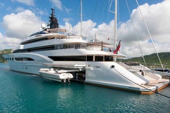 Шикарная яхта за 1.300.000$ в неделю (6)