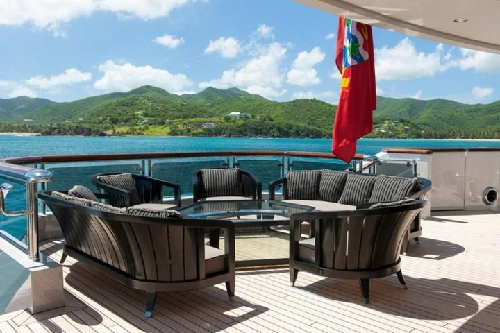 Шикарная яхта за 1.300.000$ в неделю (3)