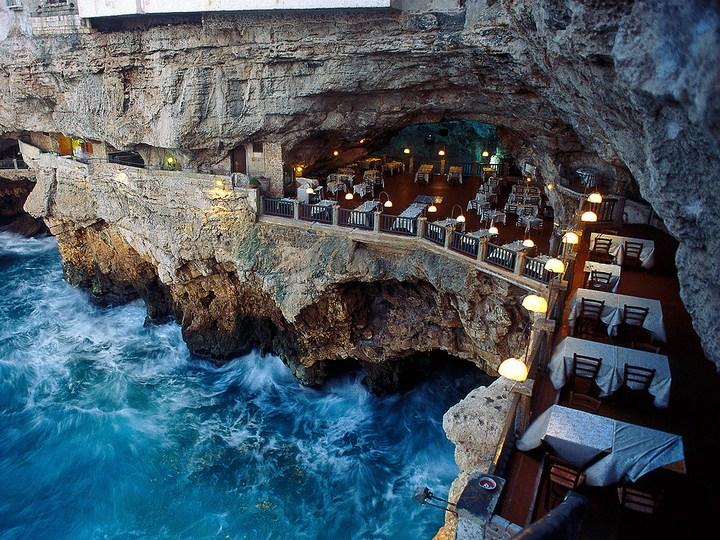 Ресторан Grotta Palazzese, Адриатическое море, Италия