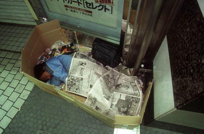 Коробочные люди на станции Синдзюку (7)