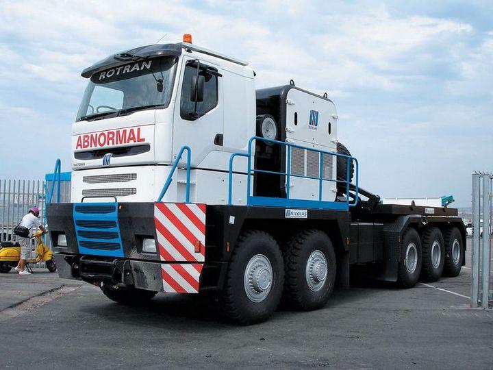 Nicolas Tractomas – самый большой и мощный тягач в мире (1)