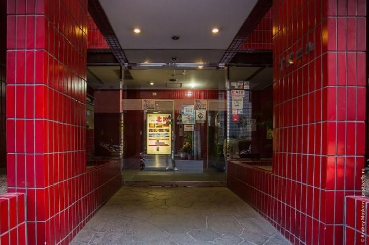 Японская капсульная гостиница или жизнь в коробке (2)