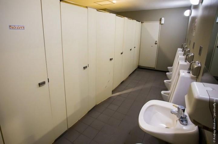 Японская капсульная гостиница или жизнь в коробке (9)