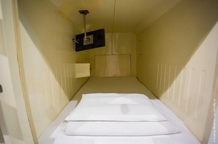 Японская капсульная гостиница или жизнь в коробке (13)