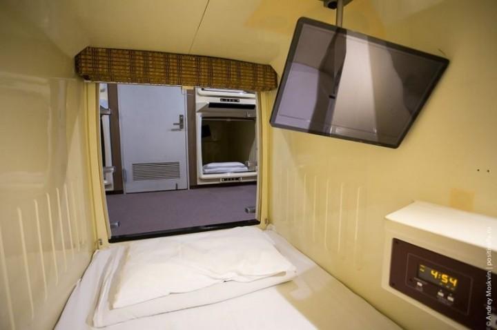 Японская капсульная гостиница или жизнь в коробке (14)