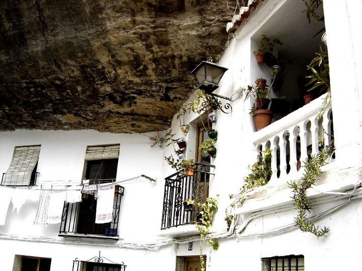 Сетениль де лас Бодегас – город скала (7)