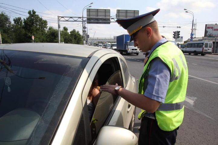 Инспектор ДПС просит вас открыть капот, багажник или двери автомобиля?
