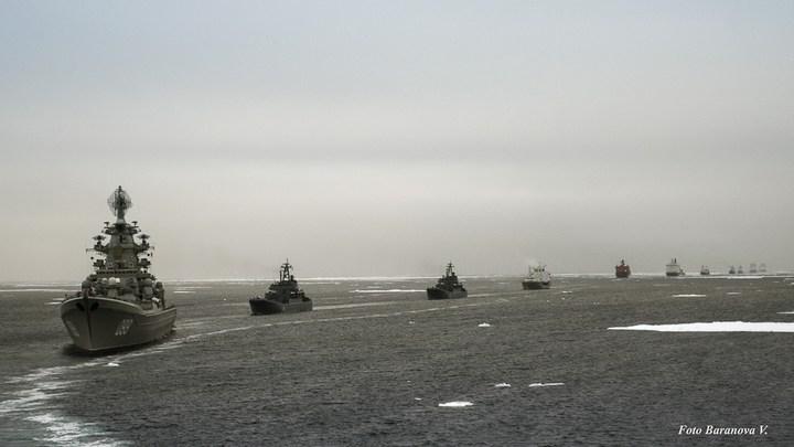 Ледокольная проводка отряда кораблей Северного флота (3)