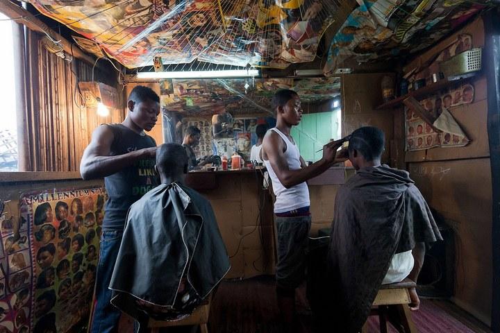 Плавучие трущобы Макоко, Нигерия (8)