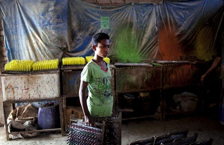 Как делают воздушные шары, Детский труд в Индии (12)
