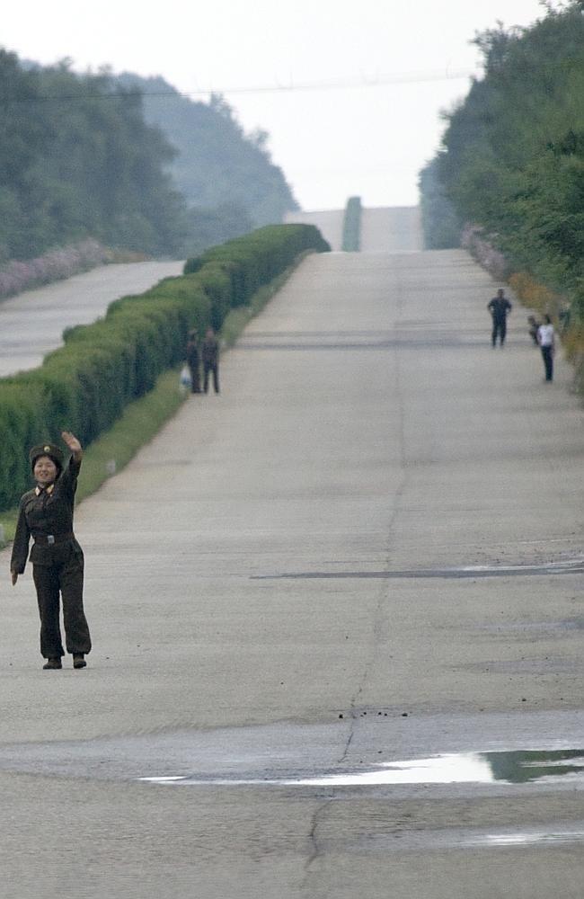 Запрещенные фотографии Северной Кореи (12)