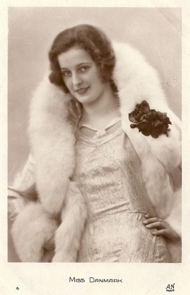 Мисс Европа — 1930 года (13)