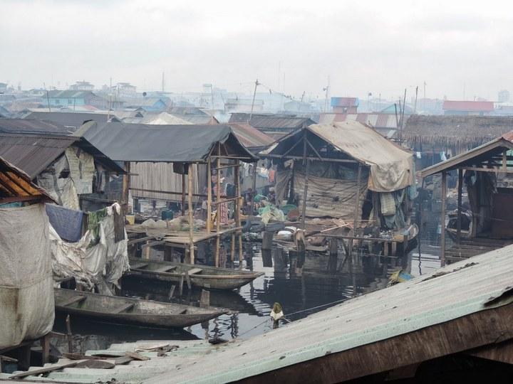 Плавучие трущобы Макоко, Нигерия (13)