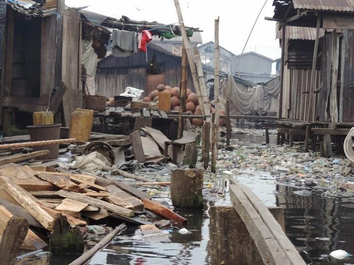 Плавучие трущобы Макоко, Нигерия (15)