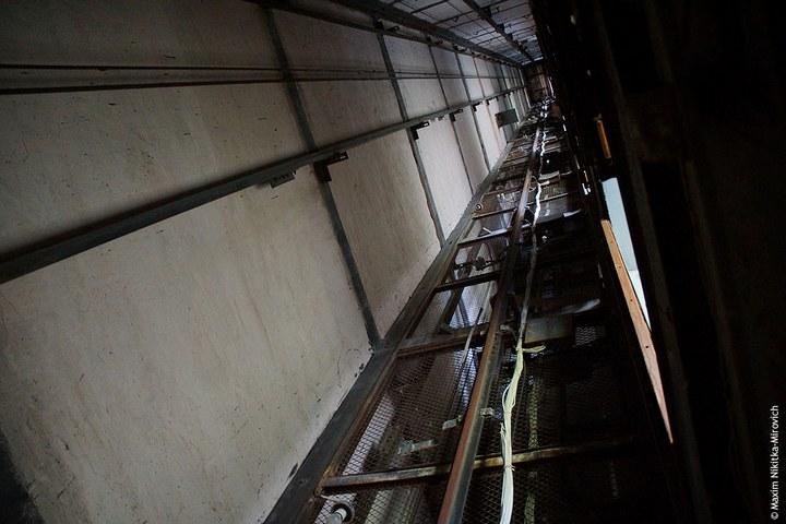Припять. Внутри многоэтажки (17)