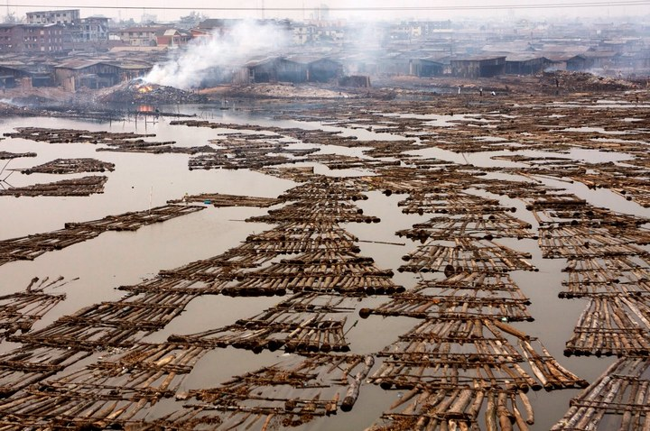 Плавучие трущобы Макоко, Нигерия (17)