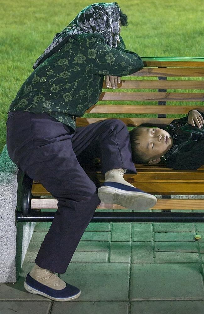 Запрещенные фотографии Северной Кореи (18)