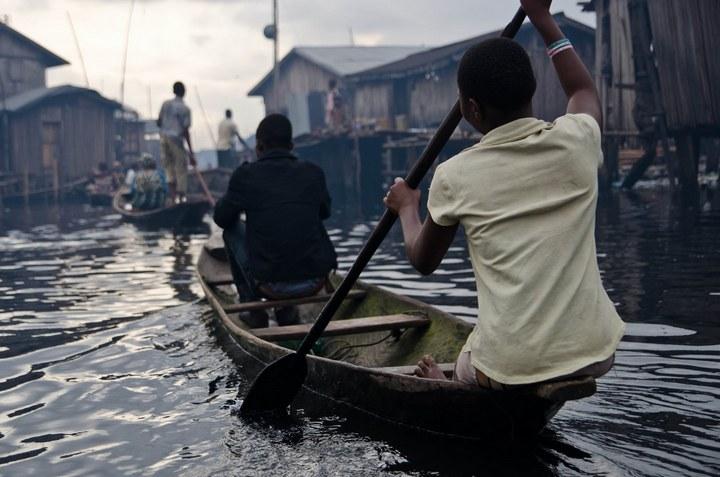 Плавучие трущобы Макоко, Нигерия (19)